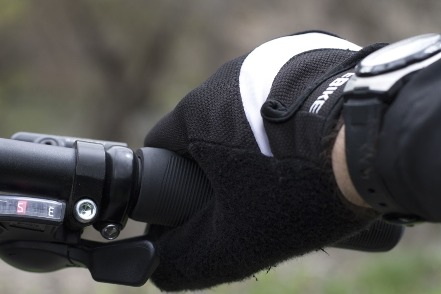 Odpowiednie rękawiczki rowerowe